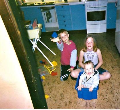 Jocke, Caroline och Emil, i Skivarp