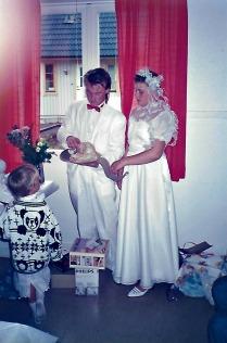 Vi öppnar bröllopsgåvorna