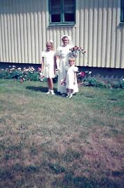 Det obligatoriska fotot som mina föräldrar ville ha innan vi blev vigda